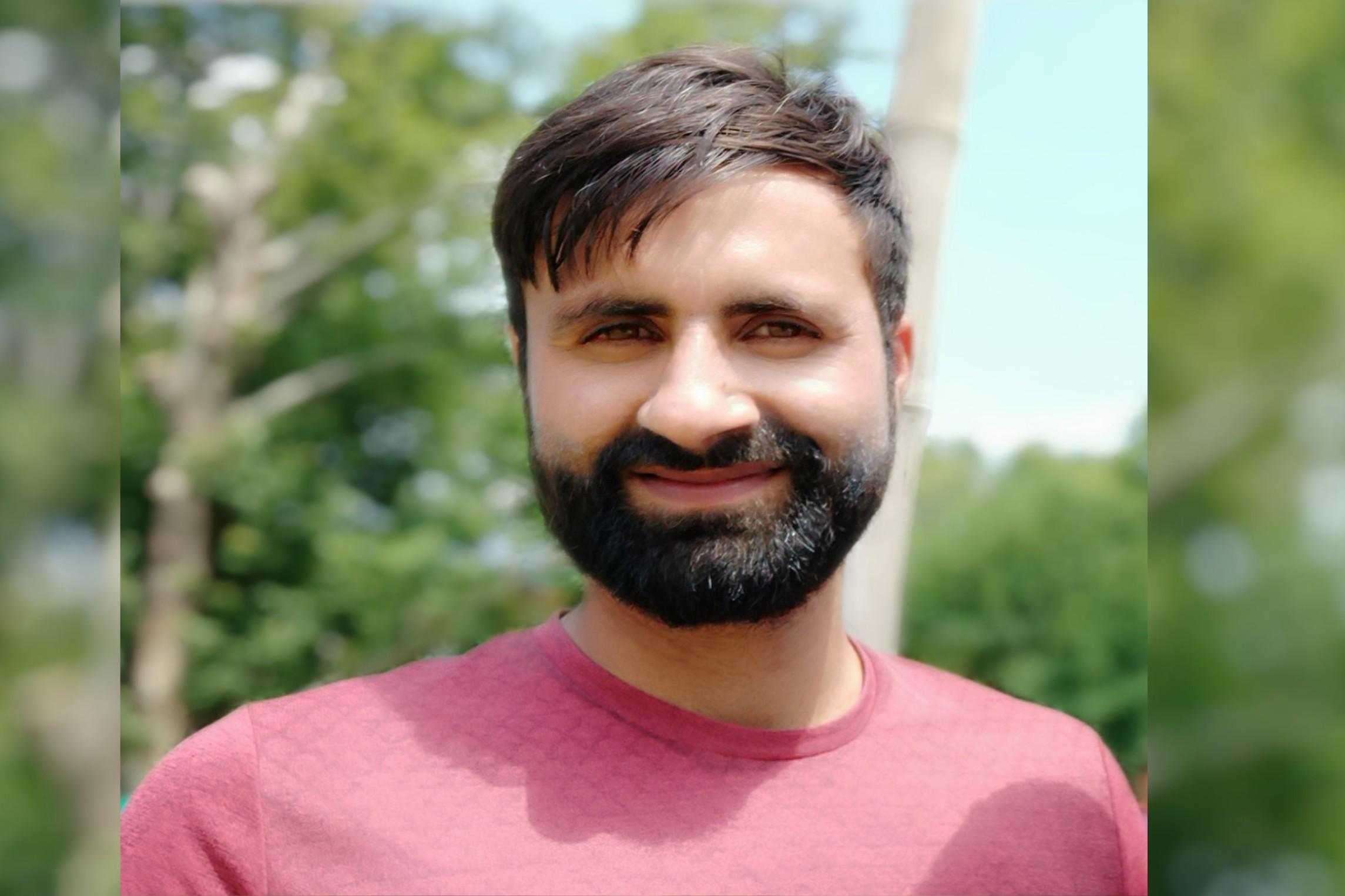 Will continue to knock the door of selection panel:Parveez Rasool